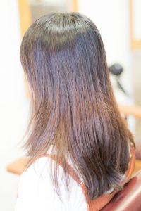 ロングヘア 明度差のあるパサついた髪