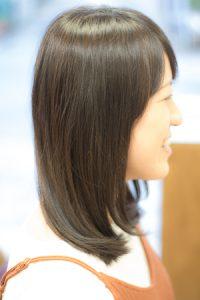 ロングヘア ドライカット後のツヤのある髪 サイドアングル